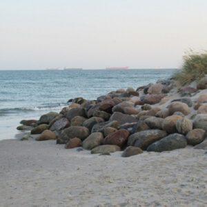 Meerfair Online Shop für nachhaltigen Schmuck aus Upcycling Materialien wie Muscheln, Treibholz und Steinen