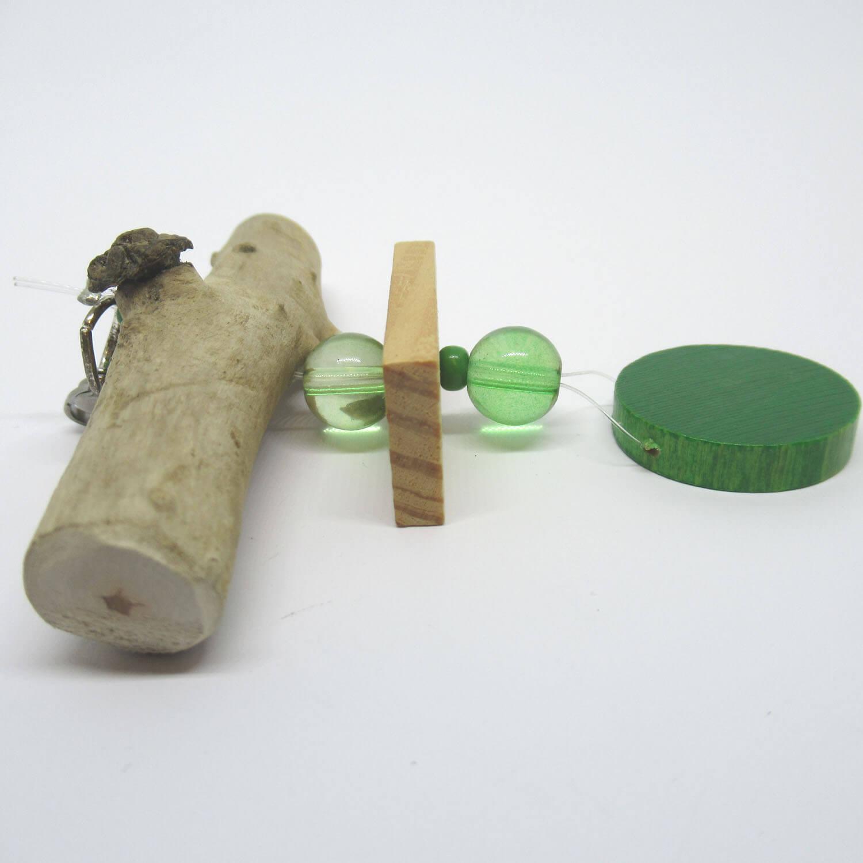 Upcycling Anhänger mit Treibholz, Glasperlen und Spielsteinen